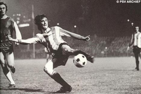 De Zweedse spits Ralf Edström, idool van mijn jeugd in de drie seizoenen dat hij voor PSV speelde.