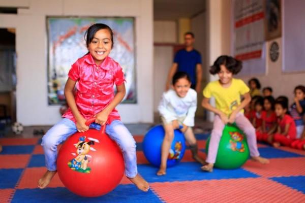 Kinderen in de Open Studio in Khan Younis, een stad in het zuiden van de Gazastrook.