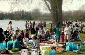 Iraanse Nederlanders: gekneveld en gediscrimineerd door Nederlandse banken